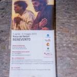 Benevento - Lo stendardo appeso all'esterno della sede espositiva