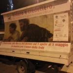 Benevento - Il camion vela con il poster della mostra