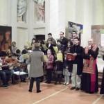 Gorla Maggiore (VA), inaugurazione - Il coro accompagna con alcuni canti la cerimonia