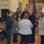 Gorla Maggiore (VA), inaugurazione - Mons. Giampaolo Citterio si intrattiene con i presenti