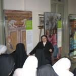 Milano, Istituto Maria Consolatrice - Anche le Suore di Maria Santissima Consolatrice in visita alla mostra