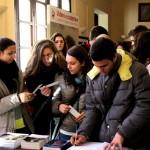 Taranto - I ragazzi al bookshop