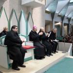 Taranto, presentazione - In primo piano S.E. Mons. Filippo Santoro, Arcivescovo Metropolita di Taranto