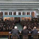Taranto, presentazione - La Concattedrale gremita di gente