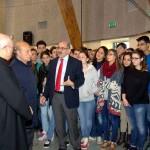 """Pomigliano d'Arco (NA) - L'evento conclusivo nel Liceo """"V. Imbriani"""": Vitaliano Sena, Presidente del Centro di Solidarietà """"G. Merliano"""" Onlus, illustra la mostra"""