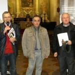 Legnano - Un momento dell'inaugurazione. Da sinistra: Ivo Paiusco, promotore dell'evento, Mario Brambilla, responsabile di Comunione e Liberazione di Legnano, e il decano don Gianni Cazzaniga