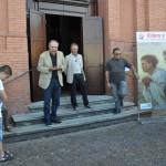 Russi (RA), inaugurazione - Il saluto di Elio Pezzi, presidente dell'Associazione E. Masoni; alla sua sinistra il sindaco Sergio Retini e il parroco don Claudio Bolognesi