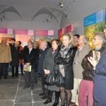 Sondrio, inaugurazione - Sandro Chierici illustra i pannelli