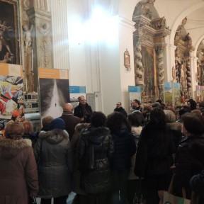 Centuripe (EN), inaugurazione - Il prof. Gaetano Scornavacche durante la visita guidata alla mostra